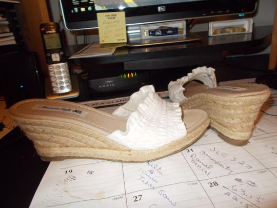 American Eagle Outfitters white cloth Wedges