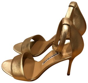 11888464d48 Women s Gold Manolo Blahnik Shoes - Up to 90% off at Tradesy