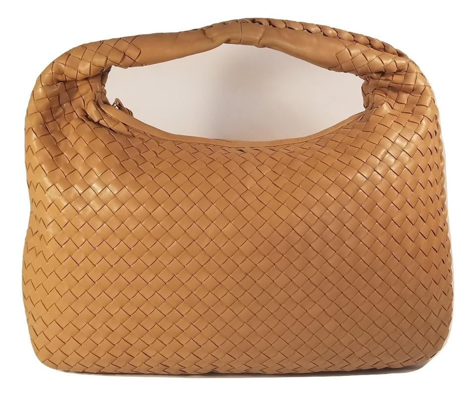 6e9082ffcd75 Bottega Veneta Medium Light Brown Woven Intrecciato Leather Hobo Bag ...