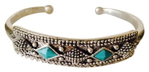 Lucky Brand NWOT Tribal Style Turquoise Stone Cuff Bracelet