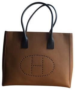 Ashneil Tote in Tan