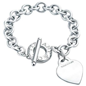 Tiffany & Co. Toggle heart bracelet