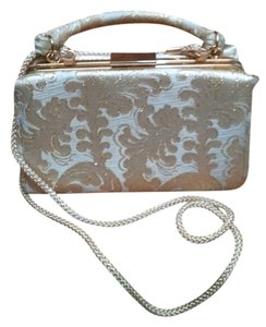 Target gold Clutch