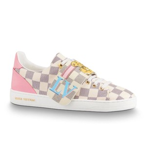 b1f3fa8aed9d Louis Vuitton Sneakers Flat 8.5 Up to 90% off at Tradesy