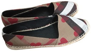 Burberry red Flats