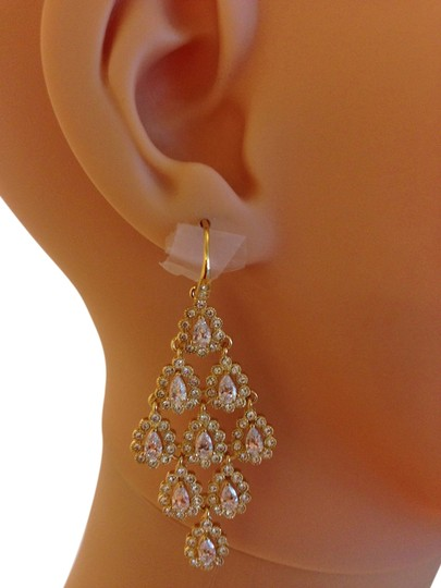 Preload https://img-static.tradesy.com/item/2326749/gold-crystal-chandelier-earrings-0-3-540-540.jpg