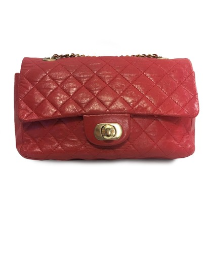 Preload https://img-static.tradesy.com/item/23269461/diamond-quilted-genuine-and-gold-tone-metal-handbag-red-calfskin-leather-shoulder-bag-0-0-540-540.jpg
