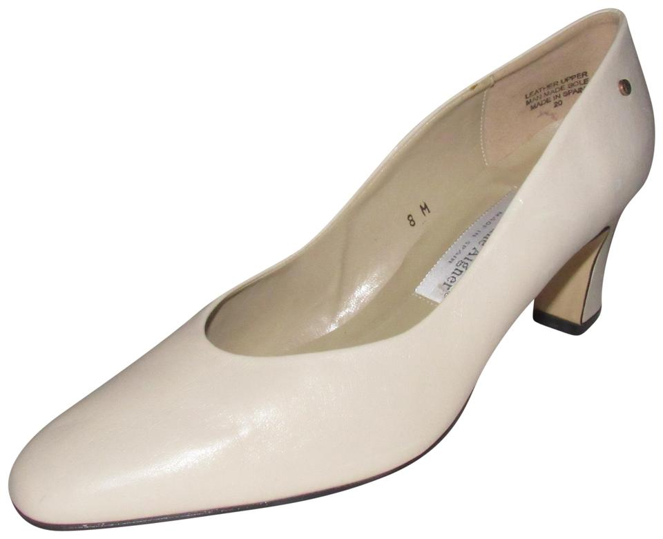Etienne Aigner Stone Colored Shoes/Designer Leather Shoes/Designer Colored Pumps 7b0fd8