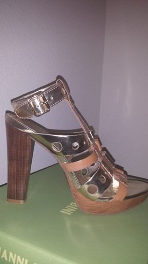 Gianni Bini Acacia Tan Sandals