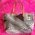 Louis Vuitton Sold Out Collectors Limited Edition Rare Neverfull Tote in White Pumpkin Dots Monogram Image 11