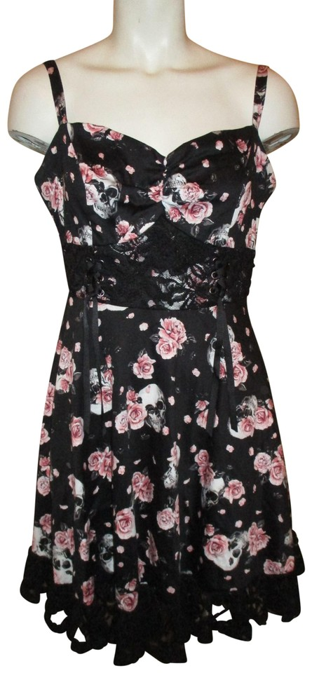 ccc89a6104 Hot Topic Black Pink & White Print Skulls Roses Sundress Casual Dress
