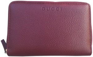 Gucci Authentic Oxblood Bordeaux Leather Zip Around Wallet -- 420113