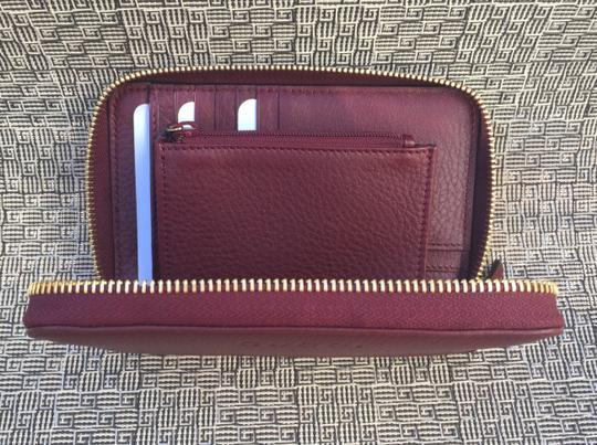 Gucci Authentic Oxblood Bordeaux Leather Zip Around Wallet -- 420113 Image 3