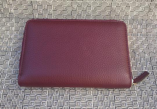 Gucci Authentic Oxblood Bordeaux Leather Zip Around Wallet -- 420113 Image 5