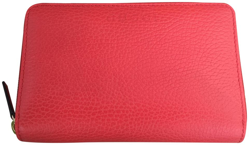 2d99f42c629 Gucci Authentic New Gucci Coral Leather Zip Around Cellarius Wallet 420113  Image 0 ...