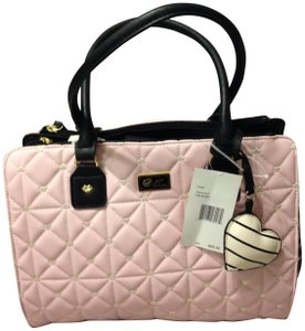 Betsey Johnson Dome Quilted Shoulder Bag