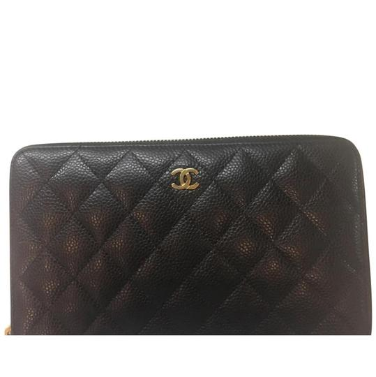 Preload https://img-static.tradesy.com/item/23278538/chanel-black-caviar-travel-wallet-0-0-540-540.jpg