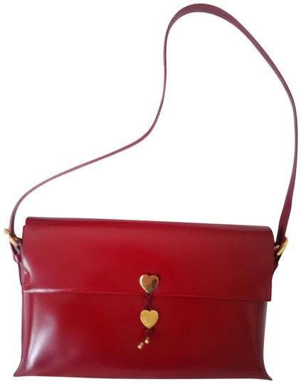 Preload https://img-static.tradesy.com/item/23278827/moschino-patent-leather-heart-monogram-deep-red-leather-shoulder-bag-0-1-540-540.jpg