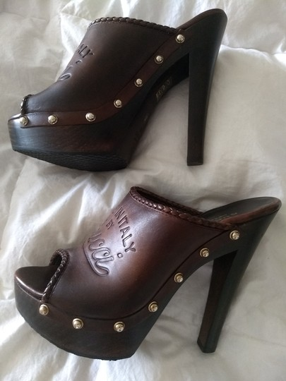 Gucci Logo Studded Brown Mules Image 9
