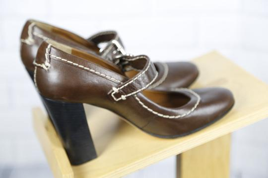 Chloé Mary Jane Round Toe Solid Contrast Stitch Brown Pumps Image 2