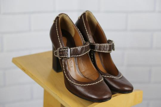 Chloé Mary Jane Round Toe Solid Contrast Stitch Brown Pumps Image 4