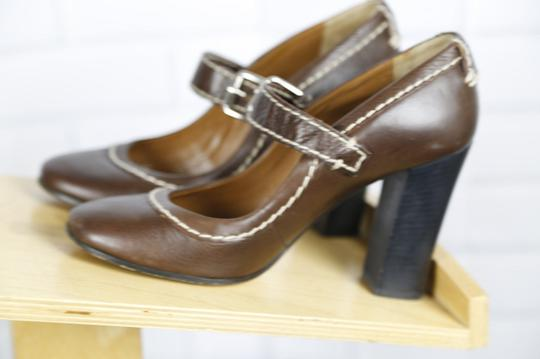 Chloé Mary Jane Round Toe Solid Contrast Stitch Brown Pumps Image 7