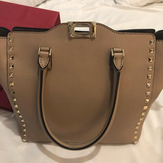 Valentino Satchel in light taupe Image 6