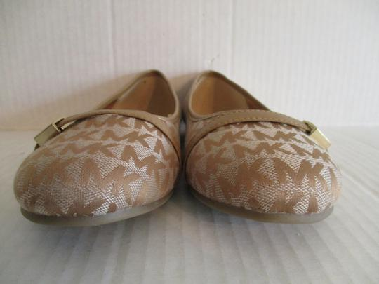 MICHAEL Michael Kors Gold Hardware Rubber Sole Signature Insole Tan Flats Image 4