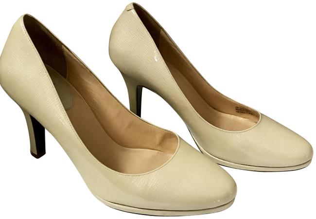 Item - Ivory Patent Leather Pumps Size US 9 Regular (M, B)
