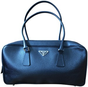 c29e686dd2b2 Prada Bags on Sale - Up to 70% off at Tradesy