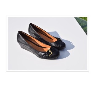 CL by Chinese Laundry black Wedges