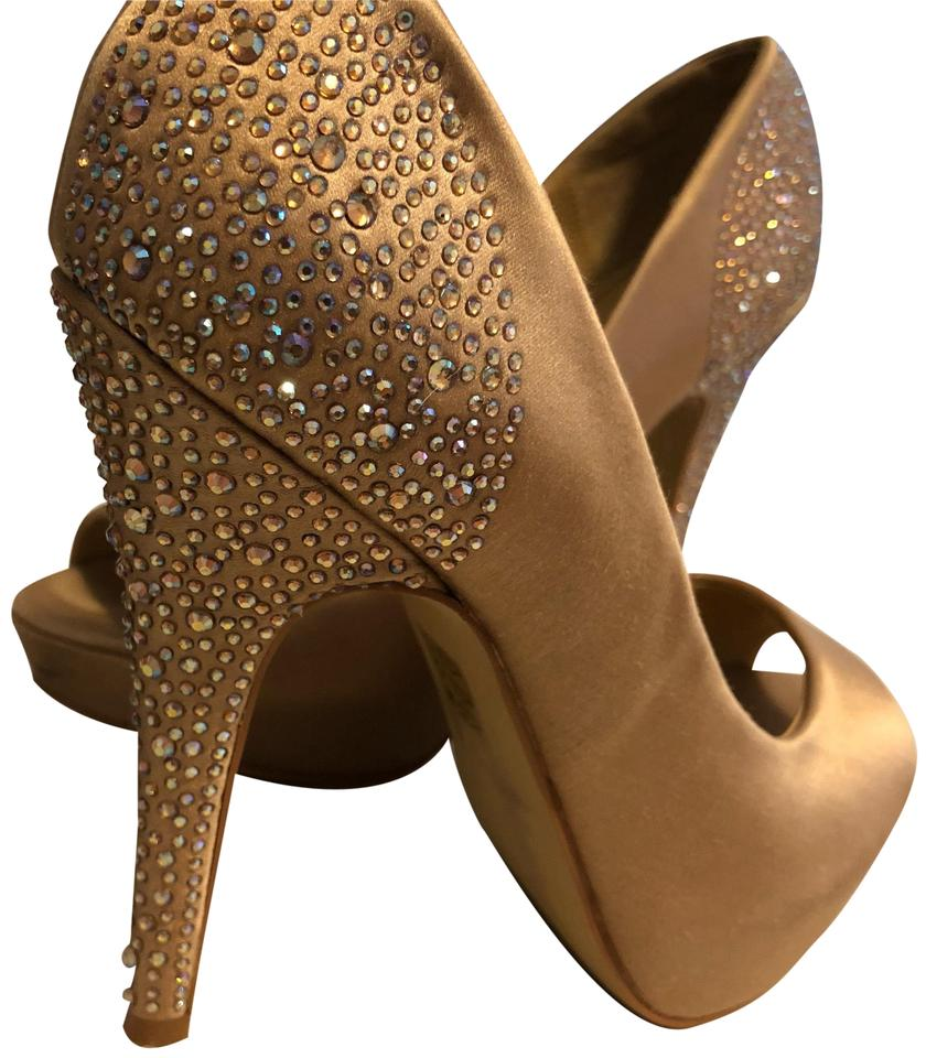 5e7f496d032 Steve Madden Gold Heels with Embellishments Formal Shoes. Size  US 6.5 ...