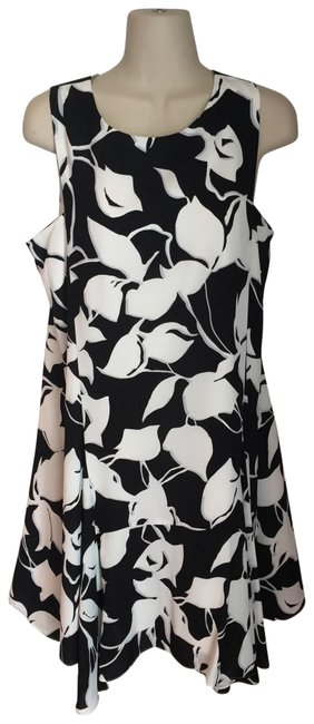 Item - Black Grey White Almost New Short Casual Dress Size 10 (M)