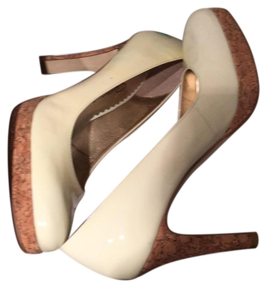 MISS Jessica Simpson Cream Patent toughness Pumps A balance between toughness Patent and hardness 06f3f2