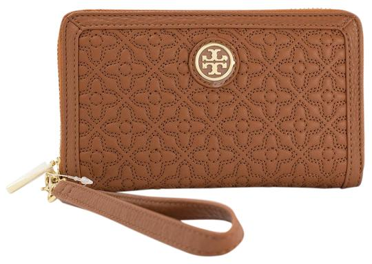 Preload https://img-static.tradesy.com/item/23292617/tory-burch-bryant-smartphone-quilted-wallet-luggage-leather-wristlet-0-1-540-540.jpg