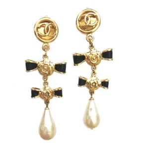 Chanel Camellia Black Bow Gold Dangle Faux Pearl Clip on Earrings