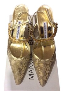 Manolo Blahnik Price Reduced Classic Manolo's Gold Pumps