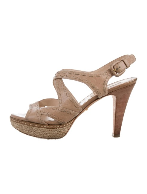 Item - Nude Patent Leather Tonal Stitch Crossover Platform Sandals Size US 7.5 Narrow (Aa, N)