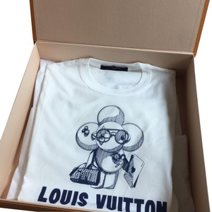 b229ce3e03cb Louis Vuitton T Shirts - Up to 70% off at Tradesy