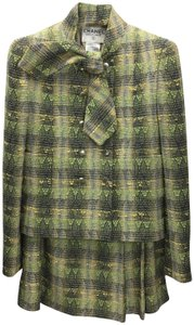 Chanel *VINTAGE* CHANNEL 2 PC SUIT, GREEN/ MULTI #139-3