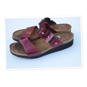 Naot red Wedges