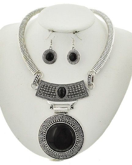 UNBRANDED Antique Silver Tone Black Stone Necklace & Earring Set