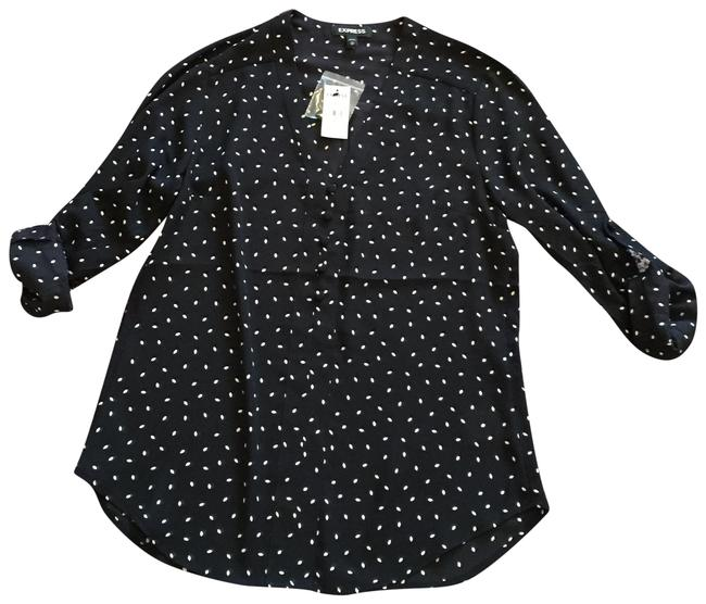 Preload https://img-static.tradesy.com/item/23295515/express-black-and-white-blouse-size-2-xs-0-1-650-650.jpg