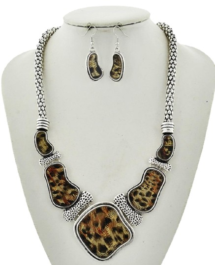 Preload https://img-static.tradesy.com/item/23295603/blackbrown-and-acrylic-epoxy-statement-earring-set-necklace-0-1-540-540.jpg