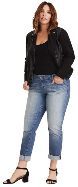 Preload https://img-static.tradesy.com/item/23295735/torrid-blue-light-wash-boyfriend-cut-jeans-size-18-xl-plus-0x-0-2-650-650.jpg