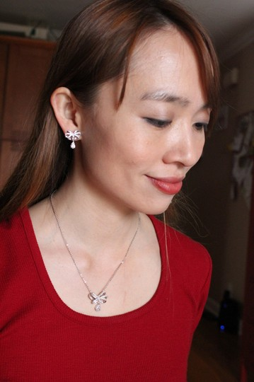 Ocean Fashion Sterling silver Noble bowknot crystal pendant necklace