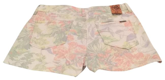 Preload https://img-static.tradesy.com/item/23295858/dear-john-denim-floral-shorts-size-8-m-29-30-0-1-650-650.jpg