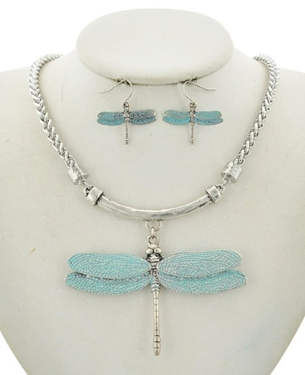 Preload https://img-static.tradesy.com/item/23295859/silverblue-dragonfly-earring-set-necklace-0-1-540-540.jpg