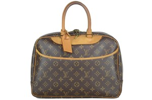 aea51d316dbb Louis Vuitton on Sale - Up to 70% off LV at Tradesy (Page 155)