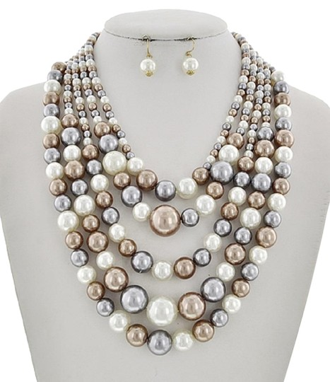 Preload https://img-static.tradesy.com/item/23295994/graybrown-multi-color-synthetic-pearl-earring-set-necklace-0-1-540-540.jpg